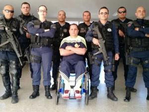 Sargento Hélvio Pompilho e miltares do 11º Batalhão da Polícia Militar de Samambaia (Foto: Hélvio Pompilho/Arquivo Pessoal)