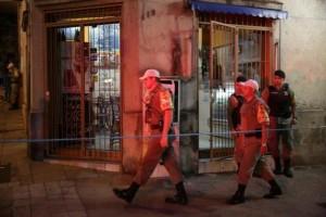 Duplo homicídio no centro da Capital aconteceu à luz do dia e cerca de 100 metros do QG da Brigada Militar Foto: André Ávila / Agência RBS