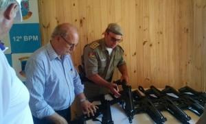 Secretário Wantuir Jacini visitou casa da BM no parque do evento. Foto: Cristiane Viegas/Divulgação SSP