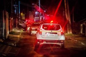 A operação tenta garantir a segurança, especialmente em áreas onde recentemente ocorreram conflitos entre grupos rivais, como nas vilas Bom Jesus e Grande Cruzeiro.