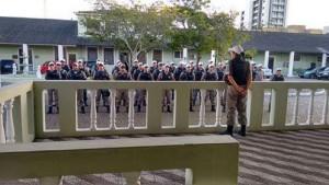 Ação envolveu 30 policiais comunitários Foto: Brigada Militar /Divulgação