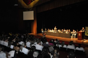 Audiência pública reuniu representações no Dante Barone