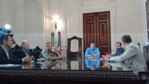 Cúpula de segurança do Estado se reuniu no Piratini nesta sexta-feira. Foto: Ananda Müller