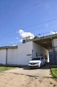 Diariamente os agentes penitenciários fiscalizam alguns dos 77 apenados no regime domiciliar, por amostragem - Créditos: Antônio Rocha