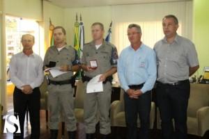Homenagem foi entregue pelo prefeito Antonio Cettolin - Créditos: Valéria Loch, Divulgação