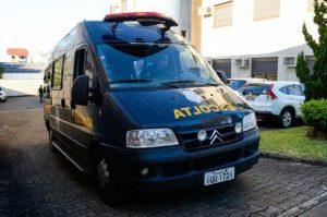 Viaturas estragadas estão entre os motivos para a situação Foto: Marcelo Oliveira /Agencia RBS