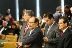 Governador José Ivo Sartori durante sessão do STF nesta quarta-feira, em Brasília Foto: Luiz Chaves / Palácio Piratini/Divulgação