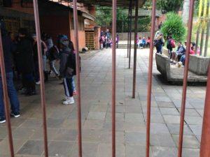 Alunos sofrem com ação de traficantes e assaltantes Foto: Vitor Rosa /Rádio Gaúcha