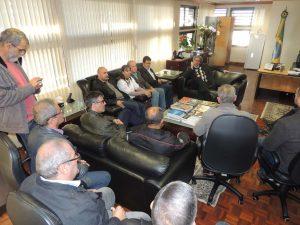 Representantes dos servidores da segurança conversaram com presidente do TJRS. (Foto: Dagoberto Walteman