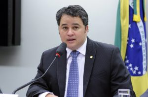 Efraim Filho recomendou a aprovação da proposta, que segue agora para análise do Senado