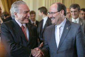 Sindicatos comparam acordo firmado esta semana em Brasília com o que foi realizado pelo ex-governador Antônio Britto, em 1996. (Foto: Guilherme Santos/Sul21)