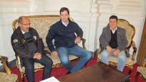 Leonel Lucas, Márcio Biolchi e Aparício Santellano. Representações do nível médio levaram reivindicação das promoções ao governo