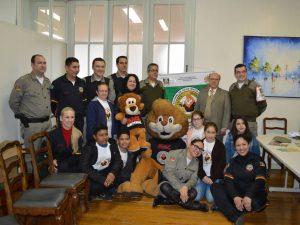 Prefeitura e Brigada Militar assinaram termo de cooperação para continuidade de programas para as escolas (Divulgação / A Razão)