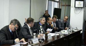 Difini (C) revelou que Sartori realocou verbas do RS | Foto: Vinicius Reis / Assembleia Legislativa / Divulgação / CP