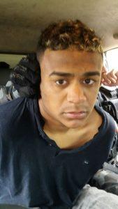 Gabriel Pereira Lima aparece nas imagens próximo ao carro do atirador no momento dos disparos divulgadas pela BM no momento dos disparos.Foto Divulgação: BM