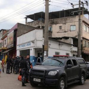 policia-militar-realiza-operacao-no-complexo-da-mare-no-rio-de-janeiro-1467318427109_v2_300x300