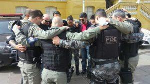 Policiais de Bento Gonçalves homenageiam o colega morto em Porto Alegre | Foto: Brigada Militar / Divulgação / CP