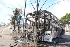 Desde sexta-feira, Natal e outras 21 cidades nordestinas são assoladas por ataques constantes e violentos Foto: ADRIANO ABREU / TRIBUNA DO NORTE