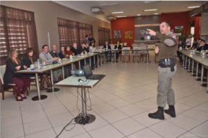 Representantes de escolas particulares de Canoas participaram de reunião com órgãos de segurança