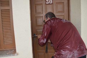 Maçanetas e janelas estão sendo recuperados