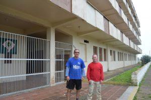 Trabalhadores preparam prédio para chegada dos associados em dezembro