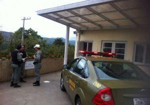 PMs aguardam liberação dos presos que estão no hospital São José em Ivoti
