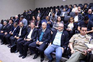 diretores,conselheiros e associados acompanharam a homenagem (Foto: Elson Sempé Pedroso/CMPA)