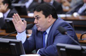 O relator, Cabo Sabino, acolheu emendas que estendem benefícios a outras categorias de trabalhadores