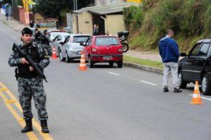 Uma vez por semana, Operação Itinerante aproxima BM dos bairros e realiza ações preventivas Foto: Porthus Junior / Agencia RBS