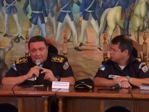 Wolney Dias (à esquerda) disse que PMs podem se manifestar (Foto: Marco Antônio Martins/G1)