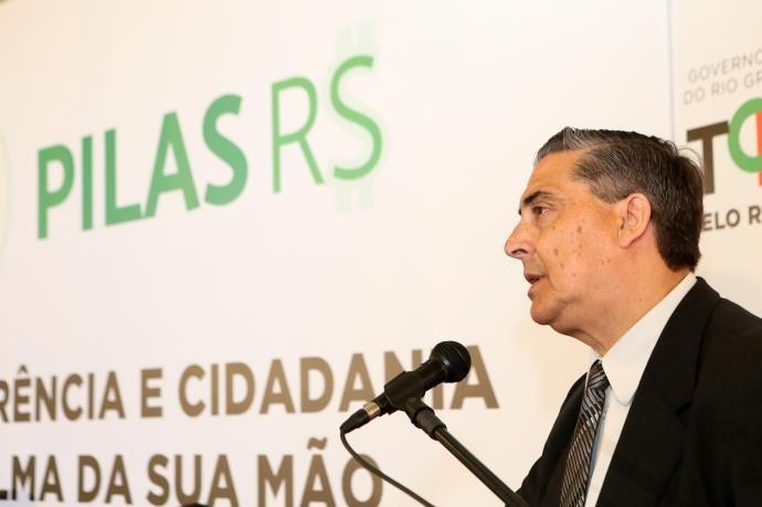 Feltes revelou que governo deve parcelar pela 10ª vez o salário dos servidores do Executivo | Foto: Luiz Chaves / Palácio Piratini / Divulgação / CP memória