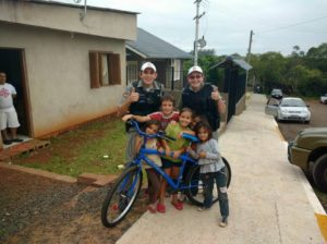 A bicicleta entregue ao menino foi doada por outro policial da BM de Teutônia